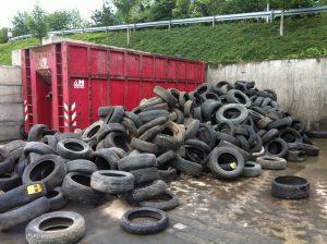 PKW Reifen liegend